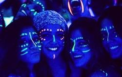 Glow&UV Makeup
